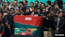عمران خان آئندہ ماہ اسلام آباد میں ایک بڑے جلسے کا اعلان کر چکے ہیں۔