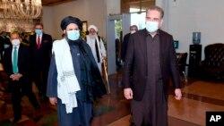 د پاکستان د بهرنیو چارو وزیر قریشي د طالبانو له یو شمېر ملا برادر سره په اسلام اباد کې