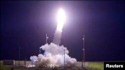 지난 7월 미군이 알래스카 주에서 실시한 고고도 미사일 방어체계, 사드(THAAD) 시험 발사에서 중거리탄도미사일(IRBM) 요격에 성공했다.