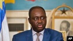 Presiden Republik Afrika Tengah Francois Bozizesaar memberikan sambutan di istana Presiden di Bangui (Foto: dok). Para pemberontak menguasai ibukota, memaksa Presiden Bozize meninggalkan Bangui, Minggu pagi (24.3).
