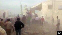 17일 시리아 정부군이 공습을 가한 이들립시. 시민 제보 영상.