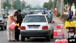 İran'da Benzine Yüzde 400 Zam Talebi Azalttı
