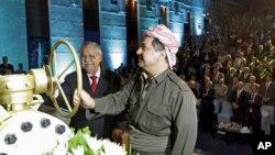 """Văn phòng của Tổng thống Massud Barzani (phải) trong một tuyên bố nói PKK """"nên rút các chiến binh khỏi vùng người Kurd để đảm bảo thường dân người Kurd không trở nên nạn nhân của cuộc chiến và tranh chấp này."""""""