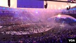 La cérémonie d'ouverture des Jeux olympiques au stade Maracaña, à Rio, Brésil, 5 août 2016.