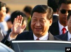 2013年10月5号中国国家主席习近平到达印尼参加亚太经合组织非正式首脑会议。