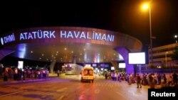 میدان هوایی اتاترک در استانبول