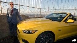 Produsen mobil Ford meluncurkan edisi khusus Mustang convertible 2015 hari Rabu (16/4).