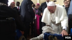 教宗與歡迎他的民眾
