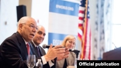 Eisenhower Fellowships အစီအစဥ္အတြက္ အေမရိကန္ ႏုိင္ငံျခားေရး ဝန္ႀကီးေဟာင္း Colin Powell ေဆြးေႏြးေနစဥ္- Photo Credit to Eisenhower Fellowships