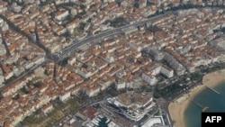 """Pogled iz vazduha na """"kongresnu palatu"""" u Kanu u kojoj će se održati samit G20."""