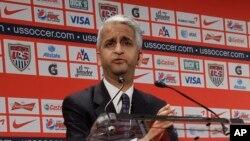 Ông Sunil Gulati nêu lên rằng mong muốn minh bạch hóa của FIFA đòi hỏi báo cáo điều tra này phải được công bố rộng rãi.