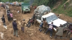 Prosper Safari, un habitant de Kamituga, contacté par Ernest Muhero, correspondant VOA Afrique au Sud-Kivu
