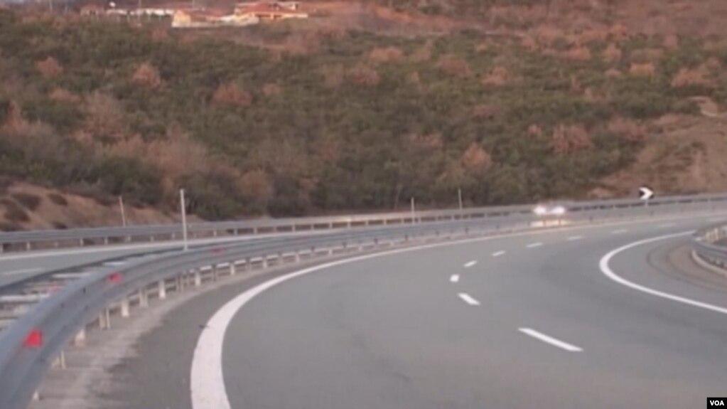 Tiranë-Elbasan, Apeli lë në burg tre ish zyrtarët