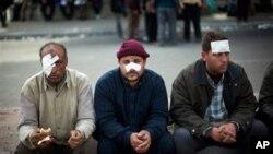 Protu-vladini prosvjednici u Kairu nakon sukoba s 'pristašama' Hosnija Mubaraka