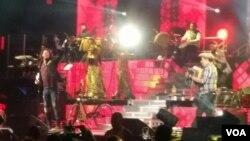 El vallenato y el acordeón piezas infaltables en el concierto de Carlos Vives.