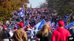 美國首都華盛頓11月14日舉行支持特朗普的示威抗議活動。