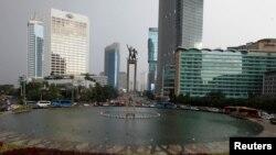 Suasana di sekitar bundaran Hotel Indonesia, Jakarta, 23 Juni 2016. (Foto: dok).