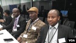 Bamwe mu baserukira imiryango itagengwa na reta mu Burundi bari muri Sentare muzamakungu i La Haye, 12/05/2018