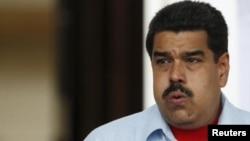 Maduro está muy molesto por el apoyo que el Ejecutivo de Rajoy brinda a la oposición venezolana.