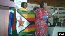 FILE: Zimbawean women at the Zimbabwe-South Africa Trade Fair in South Africa. (Photo: Benedict Nhlapho)