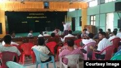 ၂၀၁၉ ခုႏွစ္ ရခိုင္ျပည္နယ္ ေက်ာက္ေတာ္ၿမိဳ႕နယ္က ရပ္ေက်းအုပ္ခ်ဳပ္ေရးမွဴး ၅၀ နီးပါး ႏုတ္ထြက္စာတင္တဲ့ ျမင္ကြင္း။ (သတင္းဓါတ္ပံံု- Kyaw Hla Myint)
