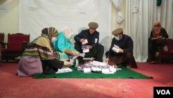گلگت بلتستان کے انتخابات کے بعد بعض حلقوں میں ووٹوں کی گنتی کا عمل تاحال جاری ہے۔