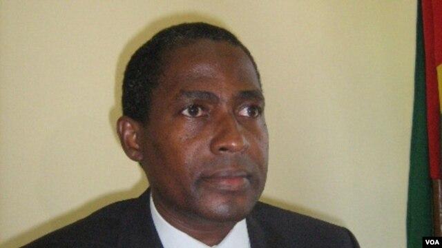 """Vai ter que curar a """"ressaca"""" polítca. Gabriel Costa, recém nomeado primeiro ministro de São Tome"""