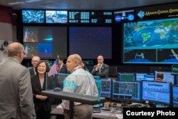 蔡英文参访NASA约翰逊航天中心任务控制中心 (图片来源:台湾总统府)