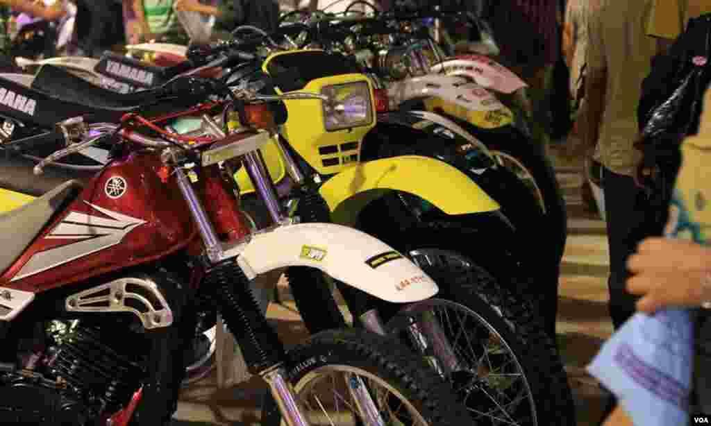 اسپورٹس موٹر سائیکلز کا منظر