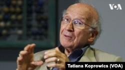 Роальд Гоффман, лауреат Нобелівської премії з хімії