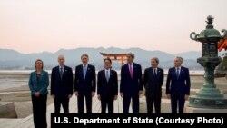 在日本参加工业化7国集团外交首长峰会者。左起:欧盟、加拿大、英国、日本、美国、意大利和法国的外交负责人(2016年4月10日)