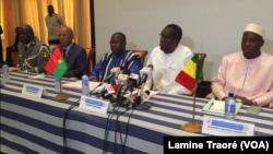 Les ministres de la Sécurité du G5 à Ouagadougou le 11 septembre 2019 (VOA/Lamine Traoré)