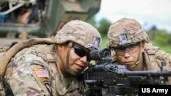 美国士兵2018年5月22日在波兰参加北约多国军训(美国陆军照片)