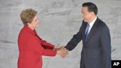 Primer ministro chino Li Keqiang se reunió con la presidenta de Brasil, Dilma Rouseff para luego viajar a Rio de Janeiro para repasar algunas iniciativas del país asiático en la ciudad sede de los Juegos Olímpicos 2016.