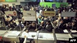 Domodedovo havalimanında öfkeli yolcular