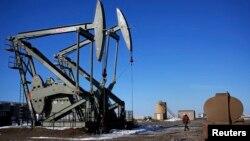 Bušilice za naftu na jednom polju u Severnoj Dakoti