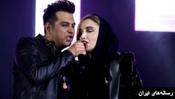 نگین پارسا خواننده و گیتاریست زن در کنسرت حمید عسگری برای لحظاتی تکخوانی کرد.