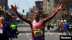 Meb Keflezighi giành chiến thắng tại cuộc đua Marathon Boston 2014