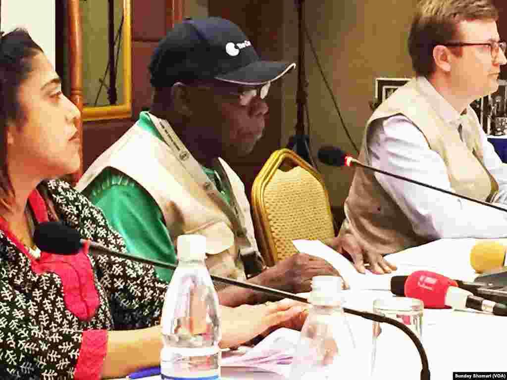 Olusegun Obasanjo mkuu wa wafuatiliaji wa Jumuia ya Madola huko Uganda akizungumza na waandishi