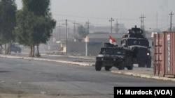 Machin Blende yo kap fè bak nan avansman yo nan Gogjali, Mosoul, Iraq, 7 nov. 2016.