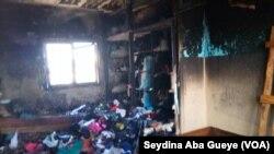 Une chambre incendiée de l'université Cheikh Anta Diop, Dakar, 18 janvier 2018. (VOA/ Seydina Aba Gueye)