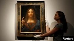 La pintura, que una vez fue vendida por apenas 125 dólares, fue redescubierta recientemente. Era el último da Vinci en manos privadas.