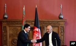 Turkmaniston rahbari Qurbonguli Berdimuhammedov, Afg'oniston rahbari Ashraf G'ani Kobulda