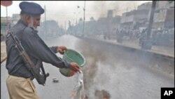 کراچی کے حالات کے بارے میں سیاسی راہنماؤں اورتجزیہ کاروں کی مختلف آراٴ