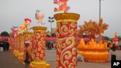 江苏扬州来台展出的大型传统花灯