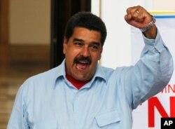 Tổng thống Venezuela Nicolas Maduro phát biểu trong một cuộc biểu tình, tại Dinh Tổng thống Miraflores ở Caracas, ngày 07 tháng 4 năm 2016.