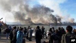 지난 2010년 11월 30일 북한의 포격으로 연기가 피어오르는 연평도.