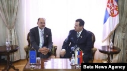 Premijer Srbije Ivica Dačić sa izaslanikom Evropskog parlamenta, Jelkom Kacinom