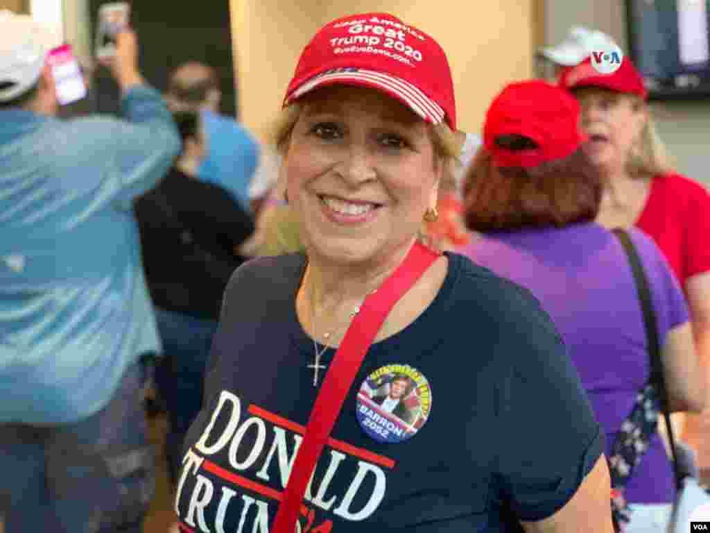 Florida es considerado como un estado clave para ganar las elecciones, y la ciudad de Miami alberga a las comunidades de cubanos y venezolanos más grandes de todo el país; conscientes de esto, los candidatos buscan tener el apoyo de este grupo de personas.