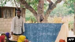 Trẻ em Somalia tại trường học trong trại tị nạn ở Dadaab, Kenya